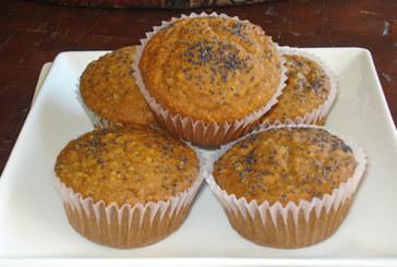 Muffins de banana e sementes de papoula