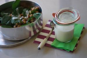 CULINARIA 300x200 Salada de grão de bico com espinafre & Molho de iogurte e limão