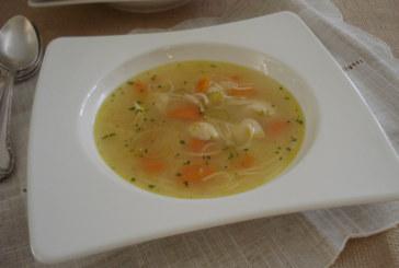 Sopa de Galinha com Aletria