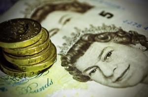 money pounds 300x198 Meu carrasco, meu herdeiro