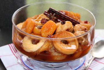 Compota de frutas secas com especiarias