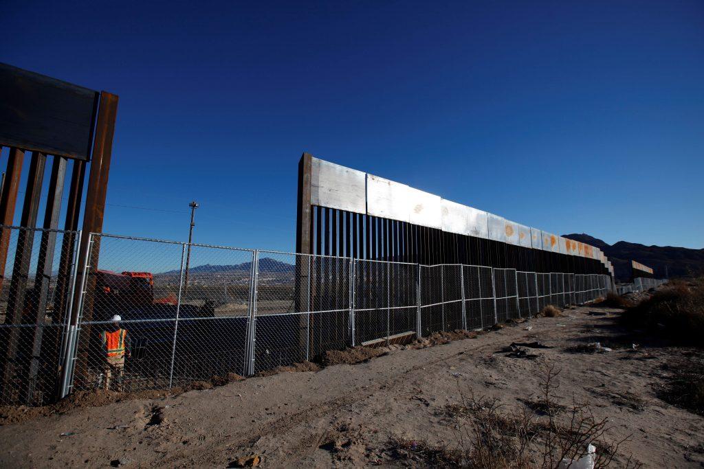 """Foto17 Muro na fronteira 1024x683 Em acordo dos """"Dreamers"""", Trump quer US$ 18 bilhões para muro"""