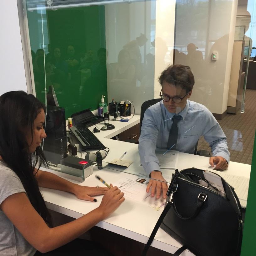 """Foto20 Consulado Geral do Brasil em Miami  Consulado de Miami alerta para """"vendas"""" de agendamentos"""