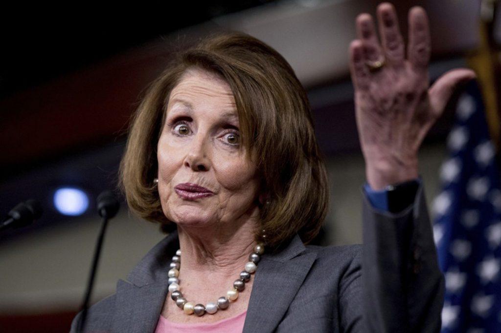 """Foto13 Nancy Pelosi 1024x682 Deputada discursa 8 horas seguidas a favor dos """"Dreamers"""""""