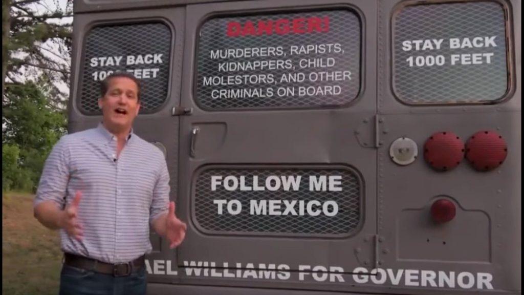 """Foto31 Onibus da deportacao Candidato anuncia turnê de """"ônibus da deportação"""" em cidades santuários"""