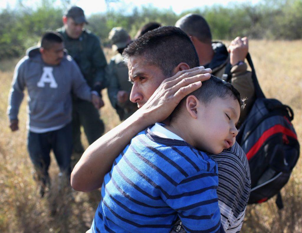 Foto27 Familias separadas  Casal angaria mais de US$ 4.5 milhões para reunir famílias de imigrantes separadas por Trump
