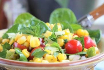 Salada de milho verde com tomate