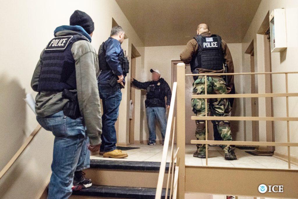 Foto24 Batida ICE NJ: Brasileiros estão entre os 37 imigrantes detidos pelo ICE