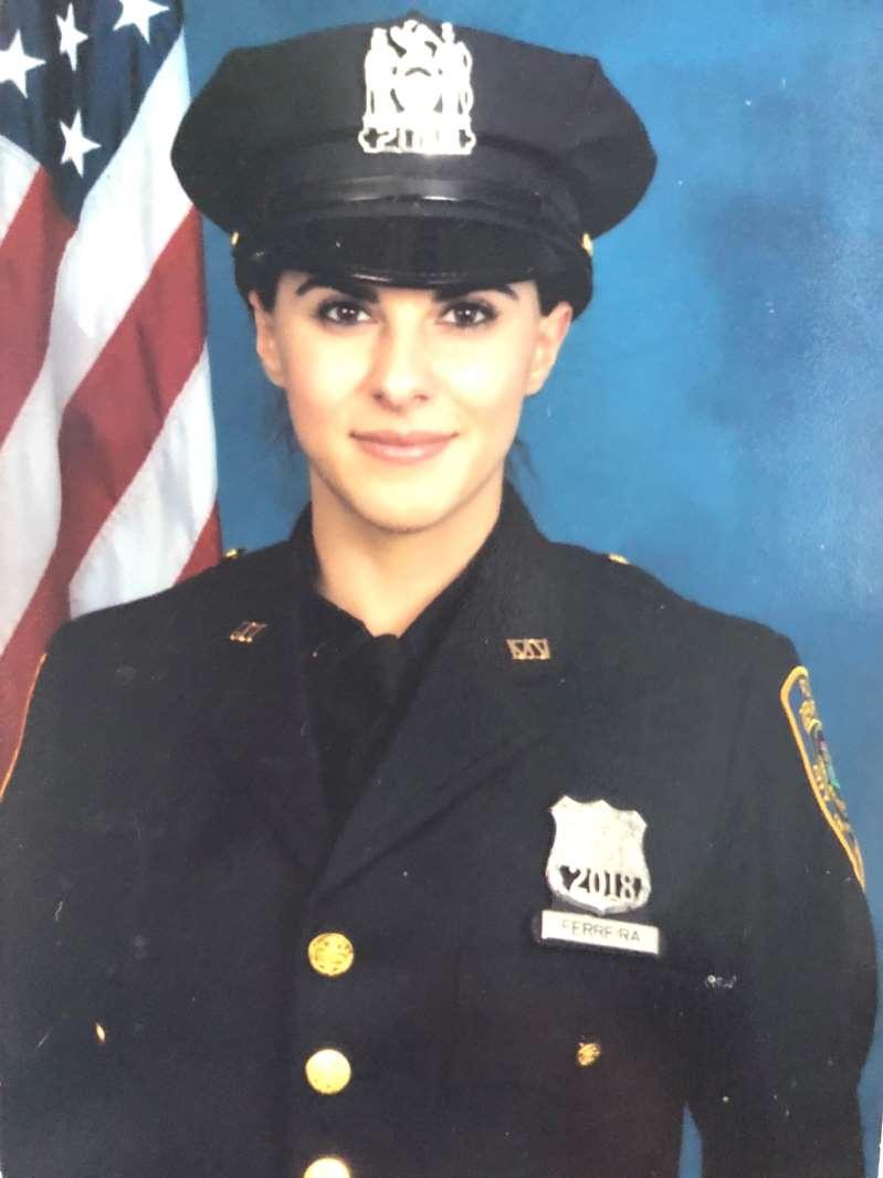 Foto20Jessica Ferreira Cavallo Policial feminina arrisca a vida para salvar criança