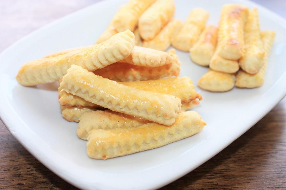 Biscoitos palitinhos salgados