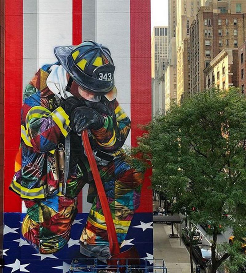 Foto17 Mural Eduardo Cobra Brasileiro pinta mural em homenagem a bombeiros em NY