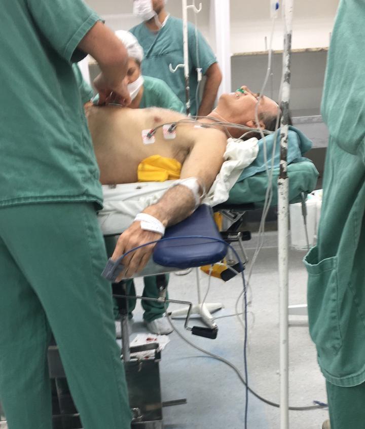 bosonaro hospital Bolsonaro é esfaqueado em Juiz de Fora: veja vídeo
