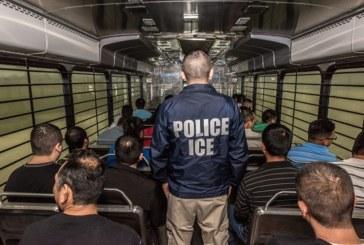 Ativistas pedem que condado na Virgínia limite colaboração com ICE