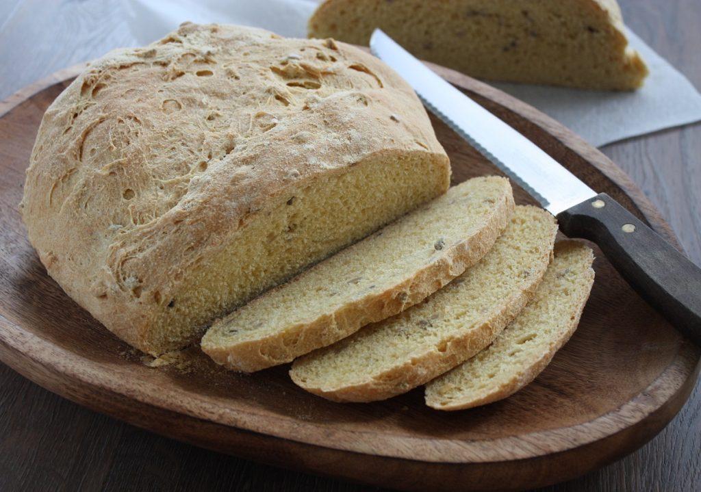 Pão de fubá de milho com semente de girassol