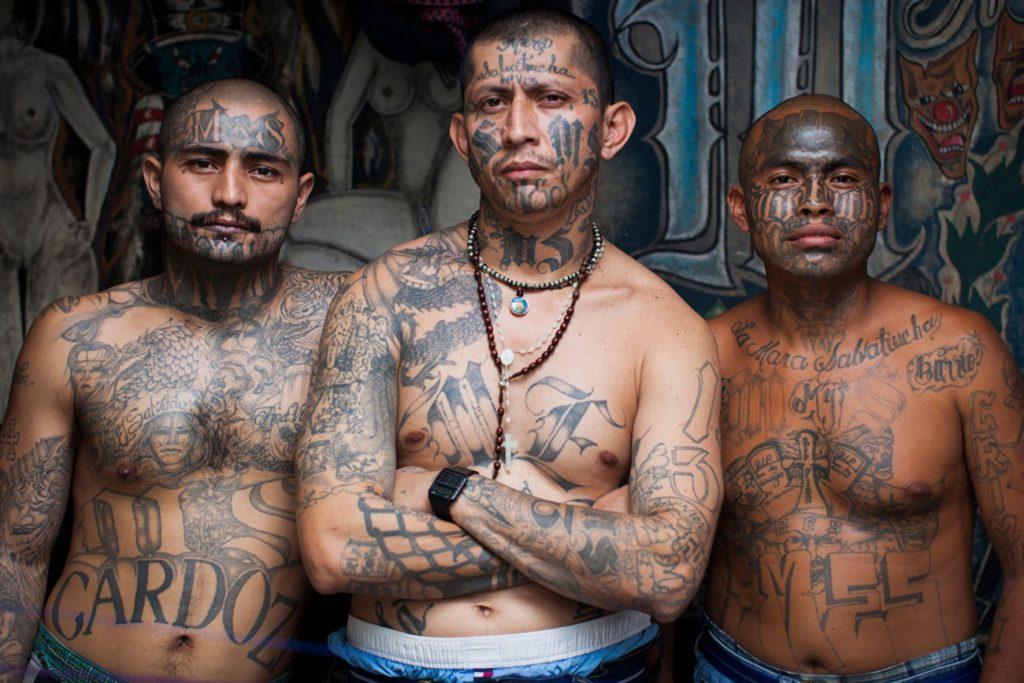 Foto6 Gangue de rua Imigrante de caravana é morto com 15 tiros logo após deportação