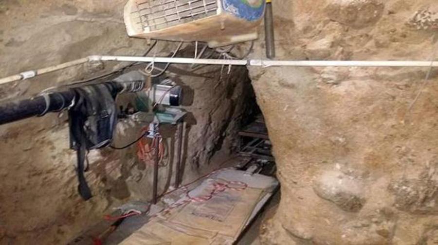 Foto10 Tunel na fronteira  Patrulheiros encontram túneis na fronteira com o México