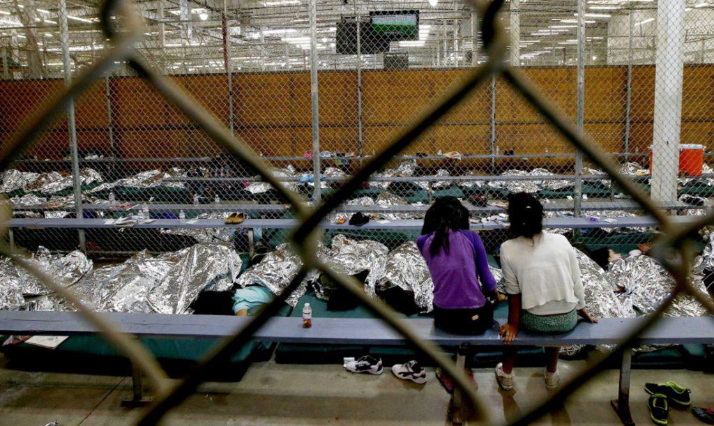 Foto25 Menores detidos  Menores foram abusados sexualmente em centro de detenção do ICE