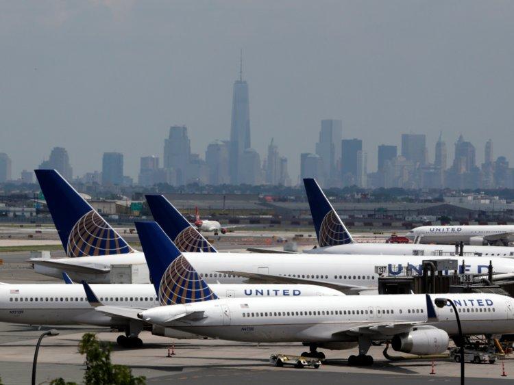 "Foto4 United Airlines United Airlines ""espreme"" classe econômica e expande 1ª Classe"
