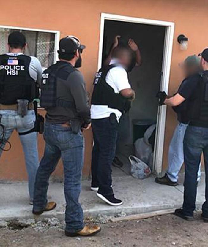 Foto8 Imigrantes detidos  Brasileiros estão entre os 54 indocumentados presos no Texas