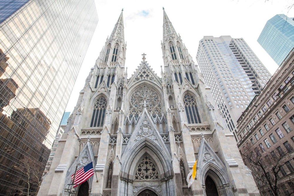 Foto7 Catedral de St. Patrick Homem de NJ é preso com gasolina na Catedral St. Patrick
