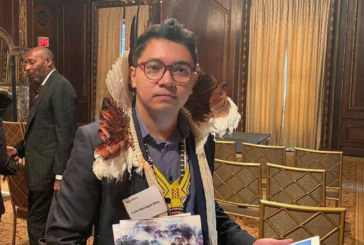 Índio brasileiro usa reunião de acionistas em NY para denunciar desmatamento