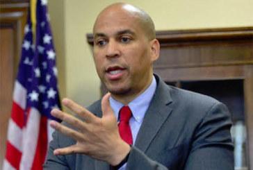 Booker quer evitar deportação de imigrantes por posse de maconha