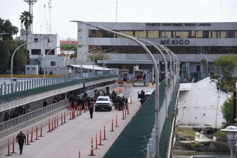 Foto3 Ponto de entrada em Laredo TX Número de imigrantes indocumentados nos EUA cai para 10.5 milhões