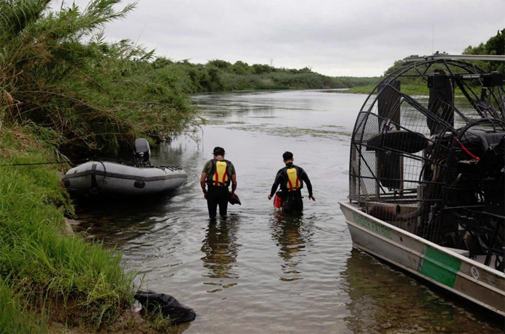 Foto2 Equipe de busca da CBP Menina brasileira de 2 anos desaparece em travessia do Rio Grande