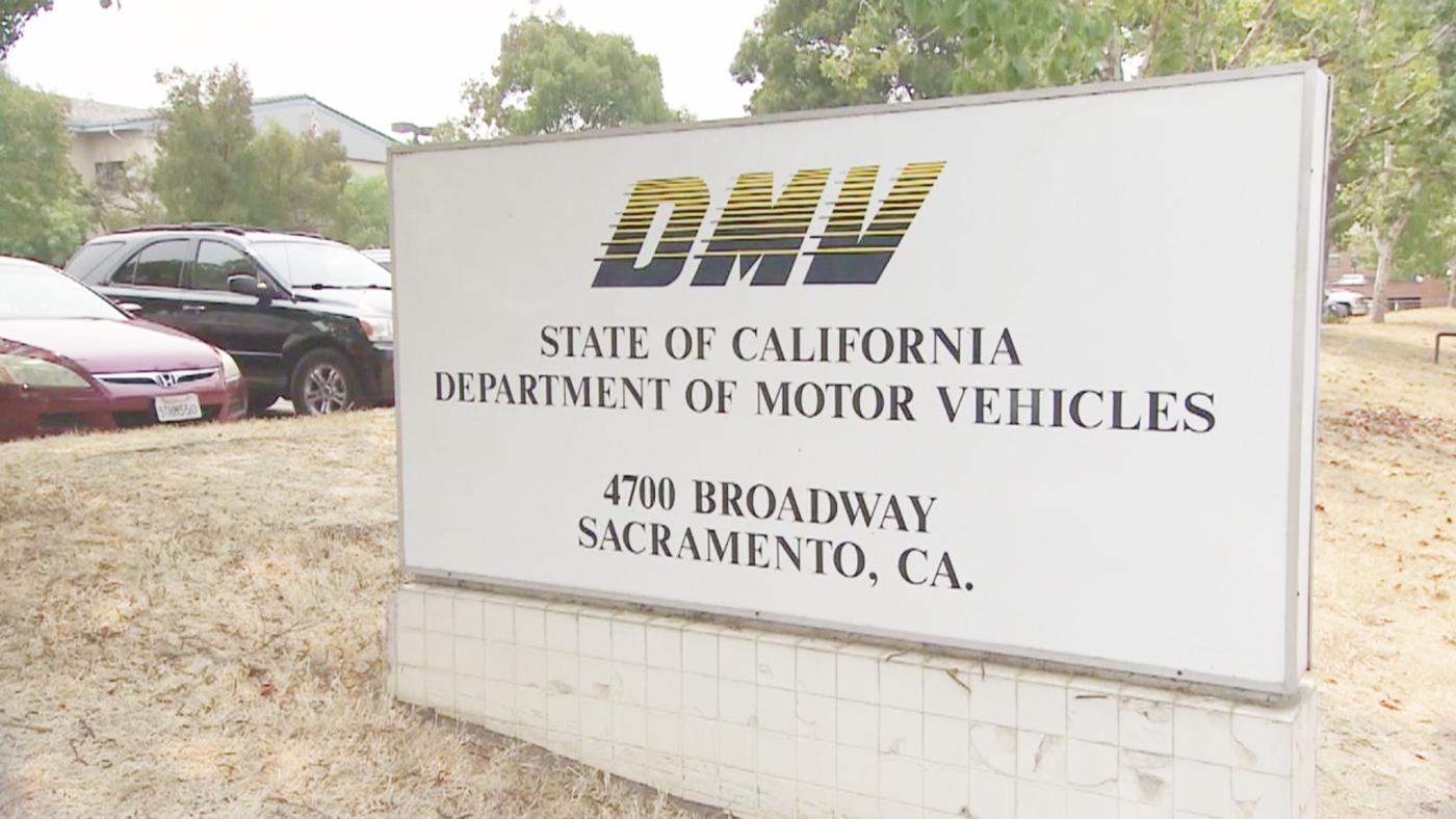 Foto23 DMV Sacramento CA Atendentes do DMV assumem culpa por fraude de identidade e propina