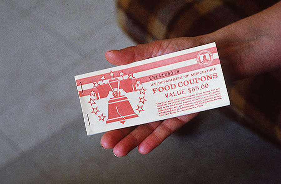 Foto10 Food Stamp Coupon NY, CT, VT e NYC processam política de Trump de restrição a green cards