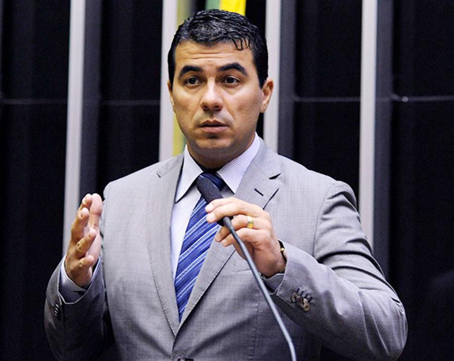 Foto9 Luis Claudio Fernandes Miranda Ex imigrante, deputado terá que entregar passaporte e quitar dívidas