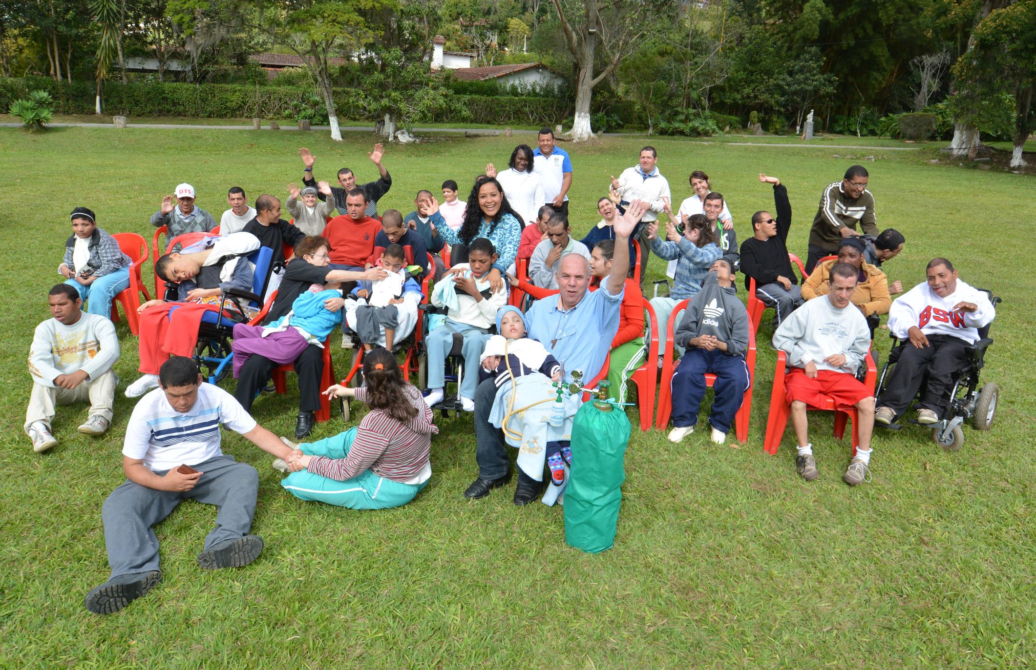 Família Jesus Menino 002 Comunidade brasileira de pessoas com necessidades especiais visitará os EUA em novembro