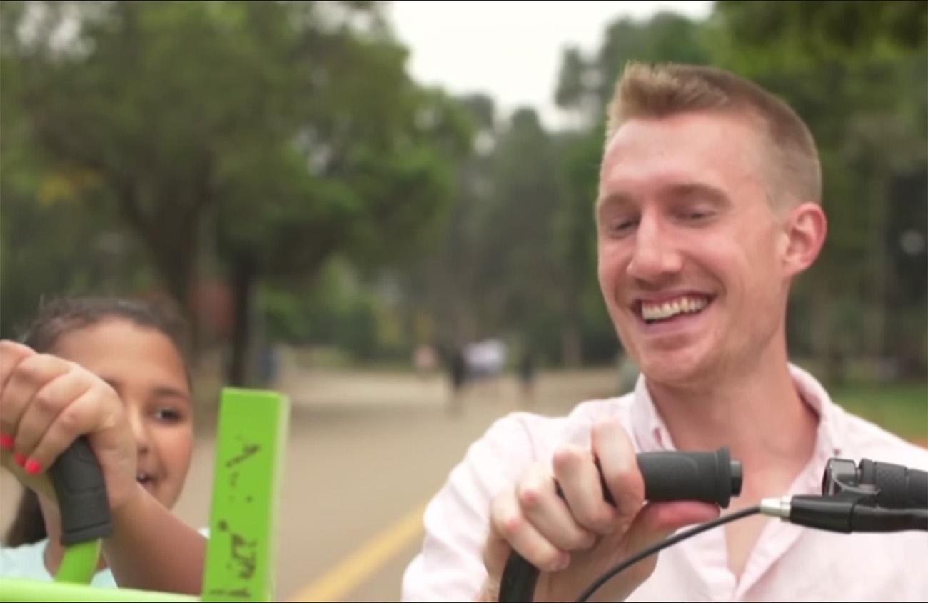 Foto15 Thaisa e Eric Williamson Americano vai ao Brasil conhecer menina para quem doou medula óssea