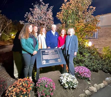 Foto23 John P. Doeffinger Zoo homenageia voluntário falecido em janeiro