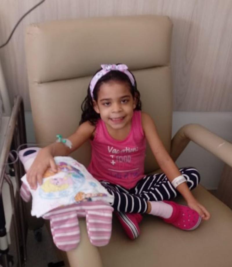 Foto5 Isadora Brasileirinha encontra doador de medula óssea compatível