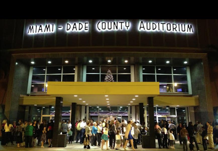 Foto31 Miami Dade Auditorium Através da arte, Projeto Cura busca ajuda na luta contra o câncer