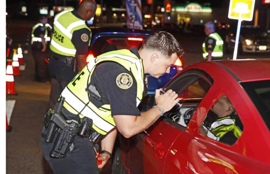 """Foto10 Batidas da Lei Seca  Blitz """"Lei Seca"""" começam em New Jersey hoje (6)"""