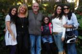 Brasileira pede ajuda para pai na luta contra câncer gástrico