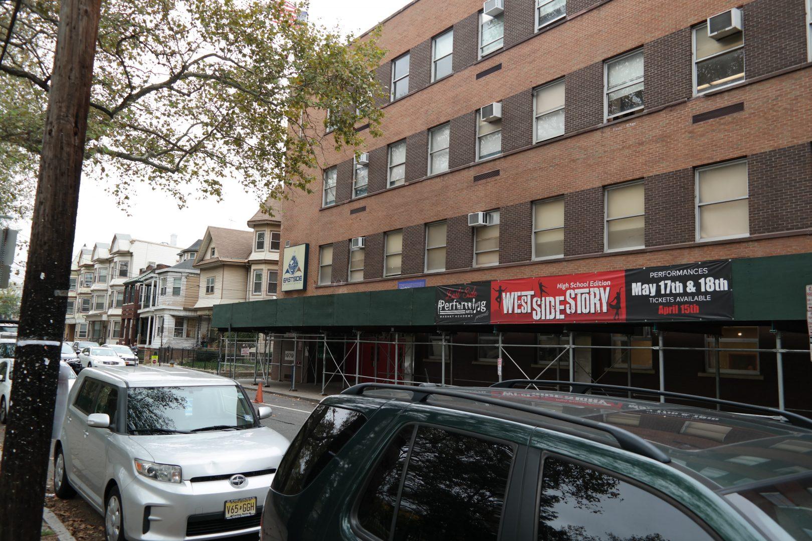Foto21 East Side High School Newark recuperará o controle de suas escolas em 2020
