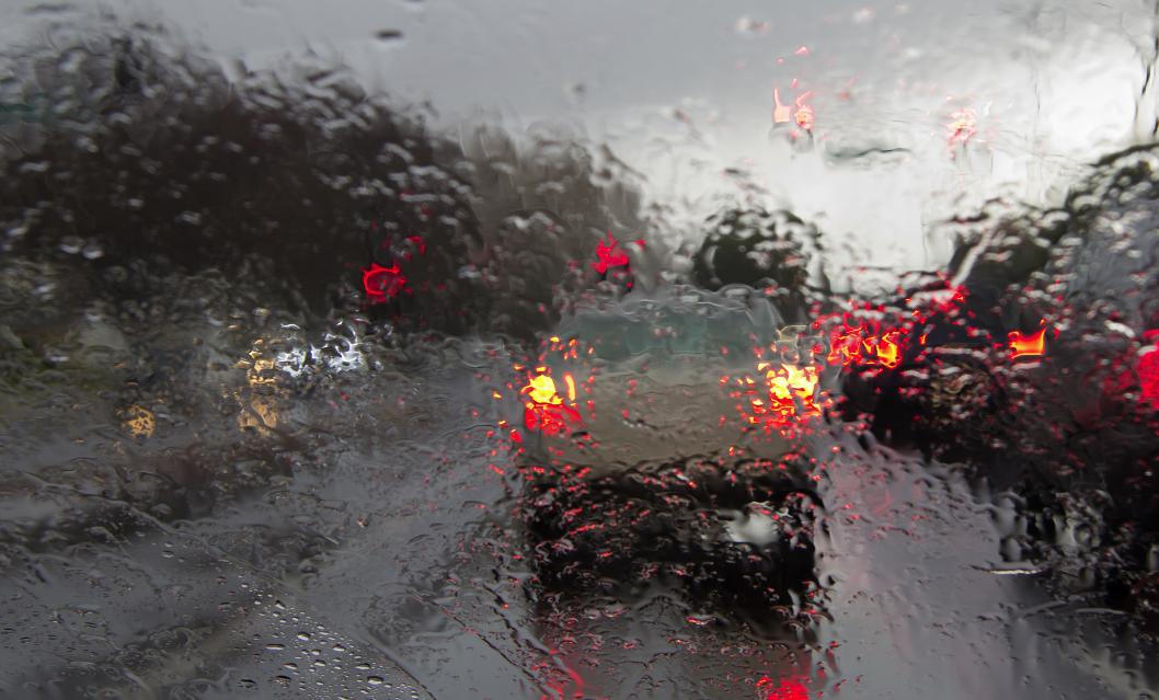 Foto1 Chuva na estrada Neve e rajadas de vento de até 80 km por hora poderão atingir NJ