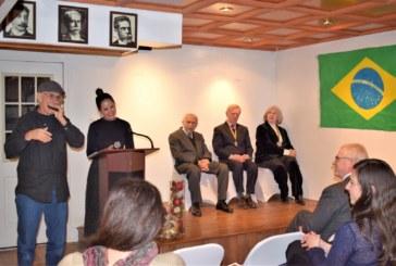 Biblioteca brasileira comemora 20 anos em NYC