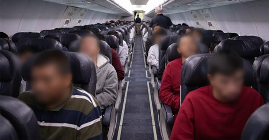 Foto9 Imigrantes deportados pelo ICE Governo Bolsonaro autoriza deportação em massa de brasileiros nos EUA
