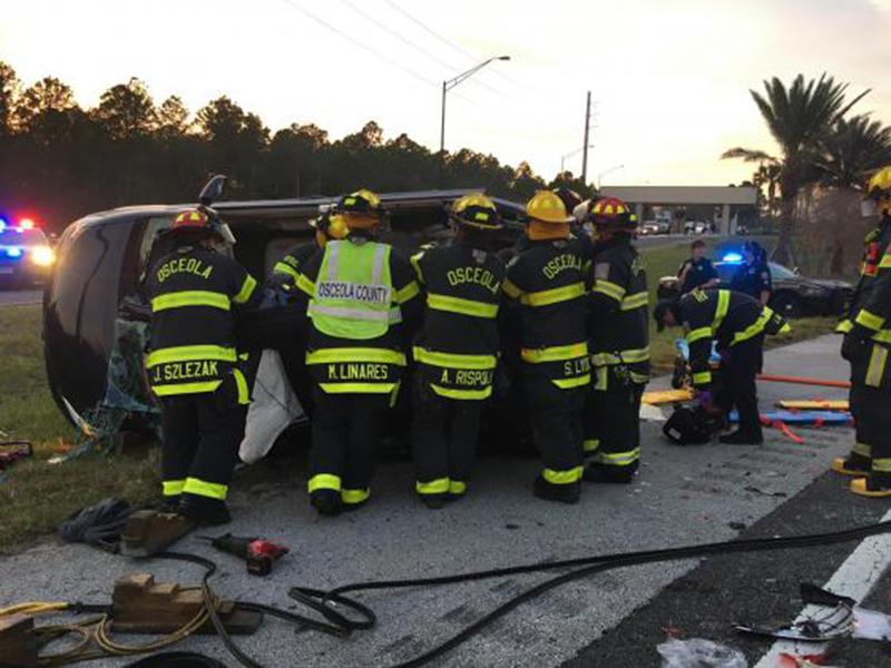 Foto7 Carro capotado Motorista envolvido em acidente que deixou 4 mortos pode ser brasileiro