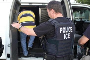 """ICE intensifica vigilância nas cidades """"santuário"""""""