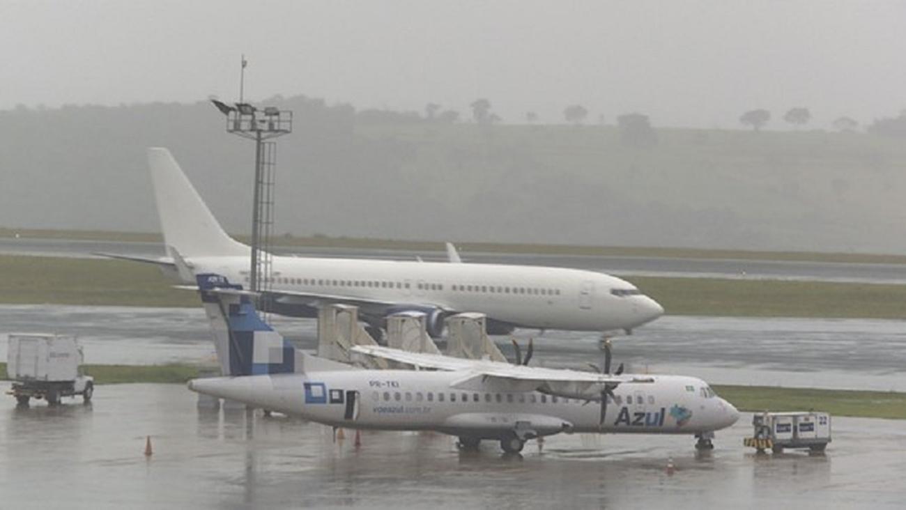 Sexto avião com brasileiros deportados dos EUA chega a Minas Gerais