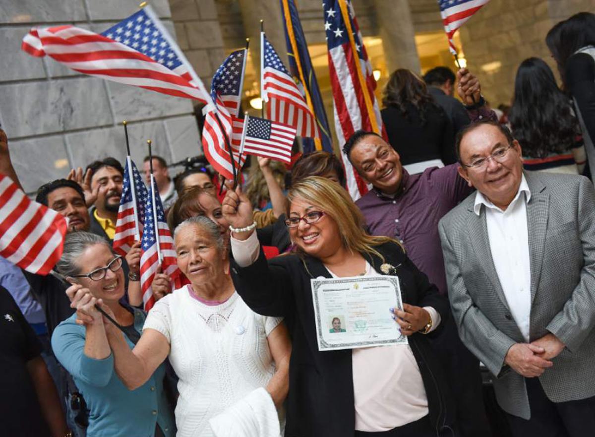 """Foto23 Cerimonia de naturalizacao EUA atualiza """"tempo de presença nos EUA"""" na aplicação para cidadania"""