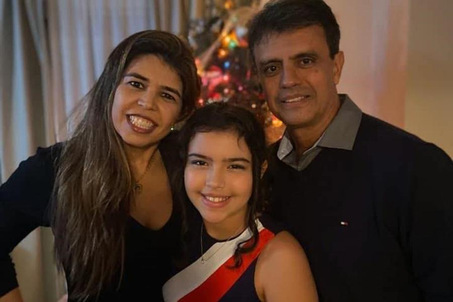 %name Amigos fazem campanha para brasileiro na luta contra câncer raro