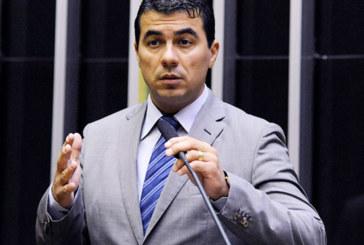 Justiça absolve acusados de extorquir Luis Miranda por falta de provas