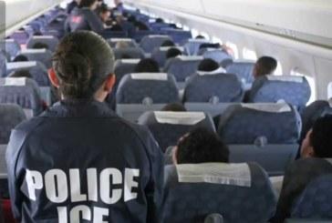 ICE retornou aos EUA 114 cidadãos em voo de deportação a El Salvador