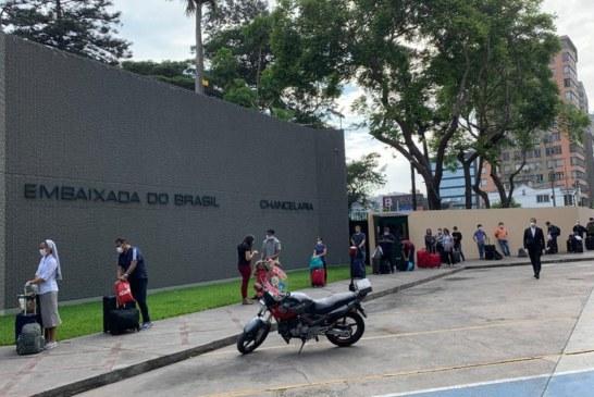 Itamaraty já ajudou mais de 10 mil brasileiros a retornarem ao país